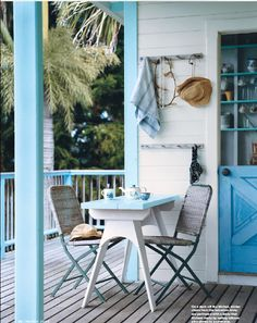Coastal Style: The Aussie Beach Shack, light blue accents Coastal Style, Coastal Living, Coastal Decor, Style At Home, Style Blog, Outdoor Spaces, Outdoor Living, Outdoor Decor, Outdoor Seating