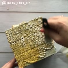 Diy Crafts For Home Decor, Diy Crafts Hacks, Diy Crafts For Gifts, Diy Arts And Crafts, Creative Crafts, Cardboard Box Crafts, Newspaper Crafts, Diy Box, Diy Storage