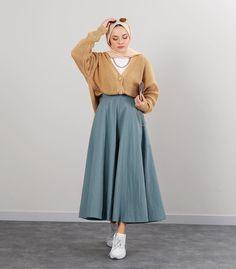 Modest Fashion Hijab, Modern Hijab Fashion, Street Hijab Fashion, Casual Hijab Outfit, Hijab Fashion Inspiration, Skirt Fashion, Muslim Women Fashion, Islamic Fashion, Hijab Trends