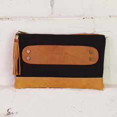 Crossbody Bags & Clutches | Product Categories | Canoe