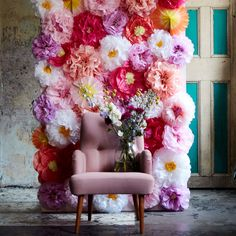 Create fabulous photos to treasure, share and hashtag to your heart's content this summer! Take a look at these fun photo backdrops and selfie wall ideas Diy Photo Backdrop, Flower Wall Backdrop, Wall Backdrops, Paper Flower Wall, Paper Flowers, Photo Backdrops, Backdrop Wedding, Backdrop Ideas, Instagram Wand