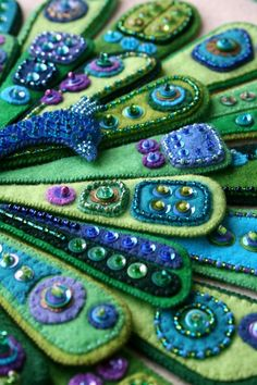 fibrearts:  'The Peacock' close-up (by a little bit of just because)