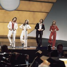 """BROTHERHOOD OF MAN """"Save your kisses for me"""" File:Eurovision Song Contest 1976 rehearsals - United Kingdom - Brotherhood of Man 20.png"""