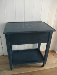Vintage sewing table painted in Annie Sloan Aubusson blue wow love the colour