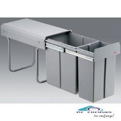 PV 621 El cubo Double Boy es ideal para los módulos estrechos de mínimo 300 mm. Tiene unas medidas apropiadas para optimizar el espacio con una gran capacidad. De fabricación alemana, es un cubo de muy alta calidad con guías de extracción total. Dimensiones: 1 cubo de 20 litros y el otro de 10 litros