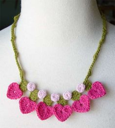 crochet pink hearts necklace | Flickr - Photo Sharing!