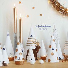 DIY gold woodland advent calendar (via Oui Oui Oui Studio). Noel Christmas, All Things Christmas, Christmas Crafts, Christmas Ornaments, Advent Calenders, Diy Advent Calendar, Diy Weihnachten, Xmas Decorations, Christmas Inspiration