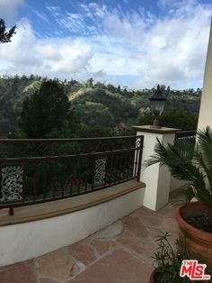 3005 BENEDICT CANYON DRIVE, BEVERLY HILLS, CA 90210 — Real Estate California