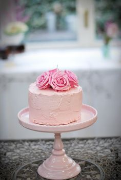 Delicate Cake for Afternoon Tea Small Cake, Pretty Cakes, Cute Cakes, Celebration Cakes, Let Them Eat Cake, Beautiful Desserts, Beautiful Cakes, Amazing Cakes, Cake Girls