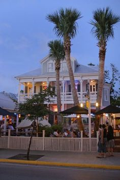 Key West - Fogarty's is a good place to eat and even share a meal with someone bc the portions are huge!! Great outdoor atmosphere right on Duval Street.