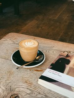 Image uploaded by 𝐀𝐢𝐬𝐚-𝐉𝐨𝐲 🍂💧☕️. Find images and videos about coffee, books and autumn on We Heart It - the app to get lost in what you love. Coffee Is Life, I Love Coffee, Coffee Break, Iced Coffee, Coffee Drinks, Morning Coffee, Coffee Shop, Coffee Cozy, Donut Store
