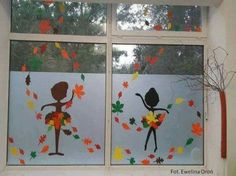 Fall Classroom Decorations, School Decorations, Art Classroom, Christmas Window Decorations, Autumn Crafts, Autumn Art, Decoration Creche, Diy For Kids, Crafts For Kids