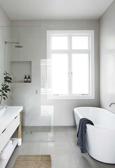 Best Modern Bathroom Shower Ideas For Small Bathroom Small Tub, Small Rooms, Small Spaces, Big Tub, Small Baths, Small Toilet, Bathroom Renos, Bathroom Flooring, Bathroom Ideas