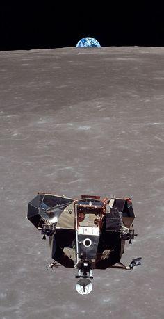 Nasa History & Science — One man, looking towards all of humanity. Apollo Space Program, Nasa Space Program, Space Planets, Space And Astronomy, Apollo 11, Programa Apollo, Apollo Moon Missions, Nasa Missions, Nasa History