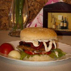 Egy finom Hamburger - házilag ebédre vagy vacsorára? Hamburger - házilag Receptek a Mindmegette.hu Recept gyűjteményében! Hamburger, Food And Drink, Beef, Chicken, Ethnic Recipes, Essen, Meat, Burgers, Steak