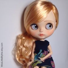RESERVED - OOAK Custom Blythe Doll fake - Graziella di MissLittleBlythe su Etsy https://www.etsy.com/it/listing/465709199/reserved-ooak-custom-blythe-doll-fake
