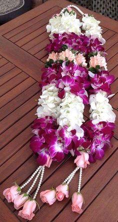 Flower Garland Wedding, Rose Garland, Diy Garland, Floral Garland, Flower Garlands, Bridal Flowers, Flower Decorations, Wedding Garlands, Birthday Decorations