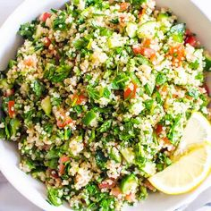 Quinoa Tabbouleh Salad - iFOODreal - Healthy Family Recipes Quinoa Tabbouleh Salad is a healthy Midd Healthy Chicken Alfredo, Healthy Chicken Pot Pie, Healthy Family Meals, Family Recipes, Freezing Cooked Chicken, Tabouli Recipe, Middle Eastern Salads, Low Calorie Lunches, Quinoa Tabbouleh