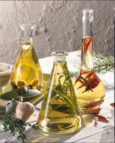 Unser beliebtes Rezept für Kräuteröl und mehr als 55.000 weitere kostenlose Rezepte auf LECKER.de.