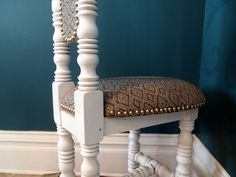 Decorative Chair Restoration {New Orleans Hall Chair} - Reality Daydream Upholstery Tacks, Upholstery Trends, Chair Upholstery, Upholstery Diy, Decorative Chair, Couch Fabrics Upholstery, Upholstery Armchair, Modern Upholstery, Upholstery Cushions
