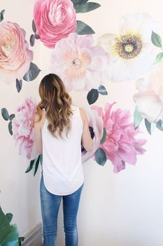 This year is all about the watercolor accents and these oversized floral wall decals bring the trend straight into your nursery. Details + Dimensions: - Includes nine individual flowers + leaves - Flo #gardeningflowers