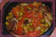 Une recette pêchée sur le blog deCoco. Ingrédients:- 500g de saucisse - 5 tomates - 1 oignon - 1 bocal d'olives vertes - arôme plein sud - curcuma Préparation: 1) Laver et couper les tomates en petits morceaux et mettre dans la cocotte. 2) Eplucher et émincer l'oignon. Verser sur les tomates. 3) Ajouter les…