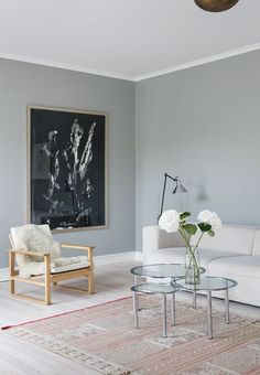 A Danish summer house, renovated and full of amazing furniture. The Runner chair of Børge Mogensen seems to be made for joining the rug from Marrakech with the contemporary sofa tables. Arch Interior, Interior Design, Sofa Tables, Contemporary Sofa, Living Room Inspiration, Living Room Interior, Wall Colors, Colours, Scandinavian Design