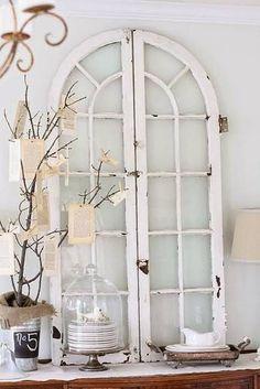 Die besten 25 altes t r dekor ideen auf pinterest schickes landhausdekor rustikaler - Alte turen dekorieren ...