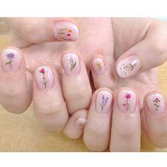 intricate short acrylic nails to express yourself page 4 French Nail Art, French Tip Nails, Cute Pink Nails, Pretty Nails, Short Nail Manicure, Korean Nails, Vintage Nails, Clear Nails, Minimalist Nails