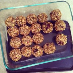 High energy snacks to eat while breastfeeding and exercising @Kelley Oberg Smith Oberg Smith For before next time we Zumba!!