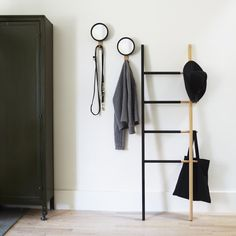 Always leave the house looking neat and sharp with the HUB Mirror Hook. These convenient hooks are perfect for storing coats, hats and scarves by the front door.