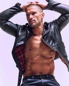 Biker Leather, Leather Blazer, Leather Men, Black Leather, Leather Jackets, Leather Outfits, Hommes Sexy, Celebrity Outfits, Attractive Men