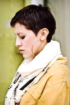 Pixie hair cut --when I see these cute cuts, it makes me want short hair again !