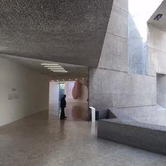 Museo Rufino Tamayo. Arqs.  Abraham Zabludowsky y Teodoro González de León.  Vine by GMF