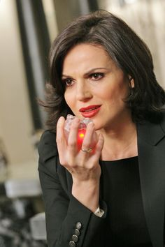 Imagen de once upon a time, regina mills, and lana parrilla Regina Mills, Abc Tv Shows, Best Tv Shows, Best Shows Ever, Once Upon A Time, Ouat Cast, Time News, Evil Queens, Swan Queen