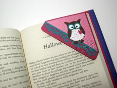 owl corner bookmark idea for my owl-crazed boy.  love their use of pattern