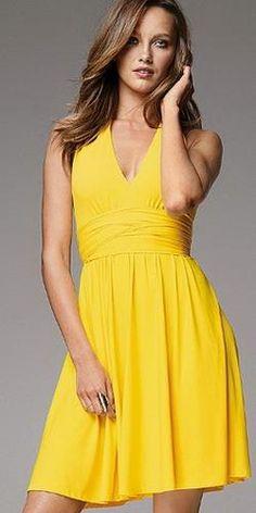 Жёлтое платье с цветами