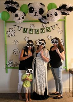 Artistic Anya Designs: Search results for panda party - Décoration de Jardin Panda Party Favors, Panda Themed Party, Bear Party, Panda Birthday Cake, Girl Birthday, Baby Shower Parties, Baby Boy Shower, Baby Shower Guessing Game, Panda Baby Showers
