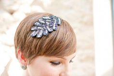 Please tell me that this is the future of bridesmaid hair. (Elissa R. Short Hair Dos, Short Pixie Haircuts, Pixie Hairstyles, Pixie Updo, Haircut Parts, Short Hair Accessories, Curly Hair Styles, Natural Hair Styles, Trending Hairstyles