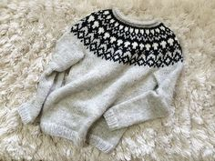 Ravelry: pacificoad's Hela Sweater Free pattern available in French and English
