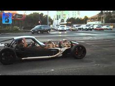 Prawdziwa moc, samochód trochę jakby niekompletny ale piękny...