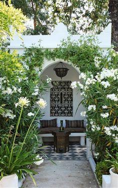 courtyard garden Interiors: a Moorish villa in Provence - Telegraph Back Gardens, Outdoor Gardens, Outdoor Rooms, Outdoor Living, Outdoor Patios, Outdoor Kitchens, Moroccan Garden, Moroccan Style, Villa