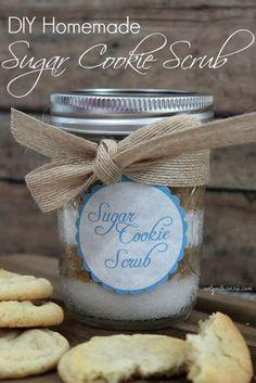 DIY Homemade Sugar Cookie Scrub- a great homemade holiday gift!