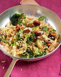 Deftige Wirsing-Nudel-Pfanne mit Tofu und Walnüssen | Blog Köstlich Vegetarisch