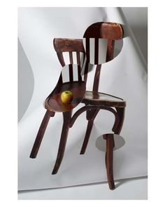 reinopin: Chaise Mentale rouge et pomme © Philippe-Soussan, Galerie Intuiti