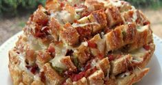 Perfect Popper Pull Apart Bread!! - Fun to say... Funner to eat!! Bacon and Jalapenos go together so well :)