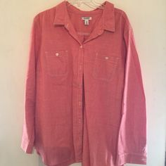 Old Navy denim button down Denim material super cute! Old Navy Tops Button Down Shirts