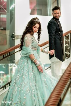 wedding outfits bridal lehenga engagement Couple Photography Ideas for The Engagement Engagement Couple Dress, Indian Engagement Outfit, Engagement Gowns, Couple Wedding Dress, Engagement Makeup, Engagement Ideas, Ring Engagement, Wedding Couples, Indian Wedding Gowns
