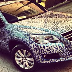 Remarkable Calligraphic Street Art Painted On Walls, Cars, Other Surfaces - DesignTAXI.com