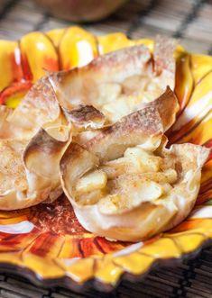 Mini Apple Pies in Wonton Wrappers Wonton Wrap Recipes, Ww Recipes, Apple Recipes, Appetizer Recipes, Recipes With Wonton Wrappers, Party Appetizers, Asian Recipes, Wonton Appetizers, Splenda Recipes